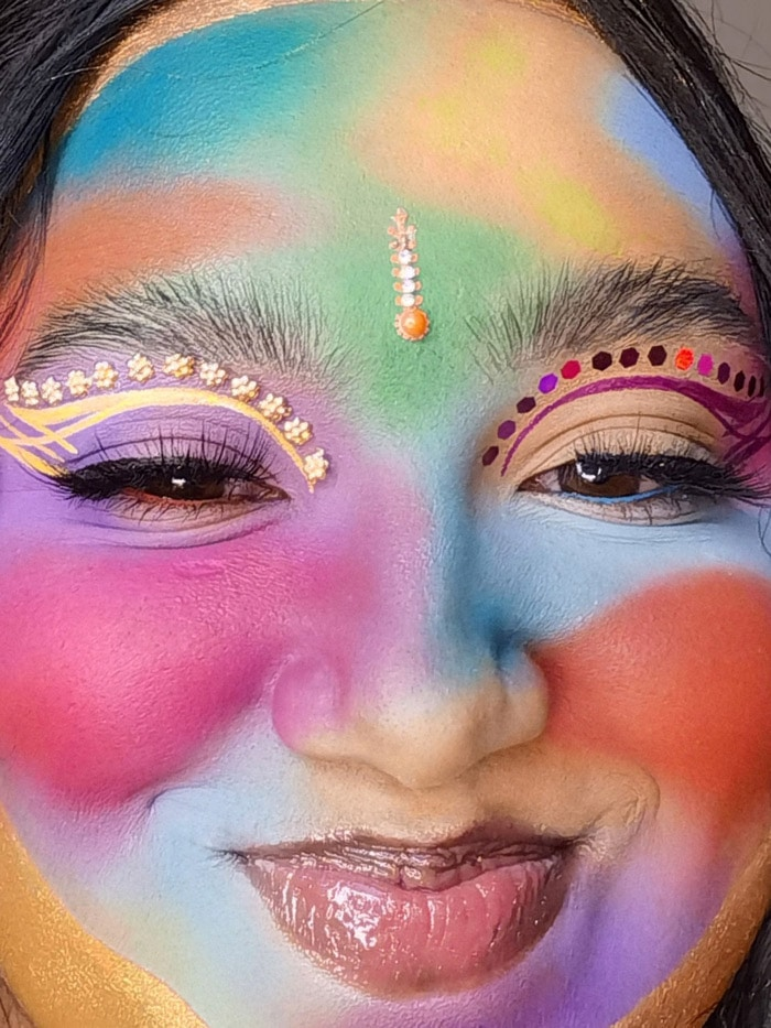 Makeup artist May Tahmina Akhtar teaches us how to capture colourful and simple makeup looks
